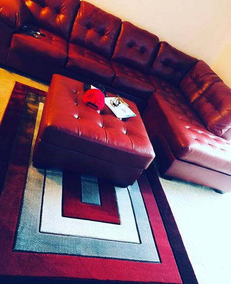 Unpacked and unwrapped, this Red 🔥🔥🔥artwork and paint next #dope #red #abstract #wine #mood #chill #ashleyfurniture #livingroom #decor #decorationideas
