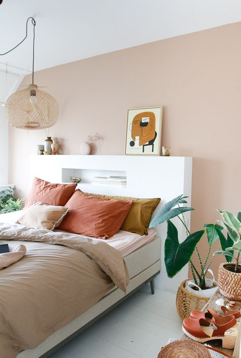 Minimalist Home Interior & SUUS Mini bedroom makeover with bedding from and new wall color Home Bedroom, Bedroom Decor, Bedroom Ideas, Master Bedroom, Bedroom Headboards, Bedroom Inspiration, Design Bedroom, Cubicle Makeover, Minimalist Home Interior