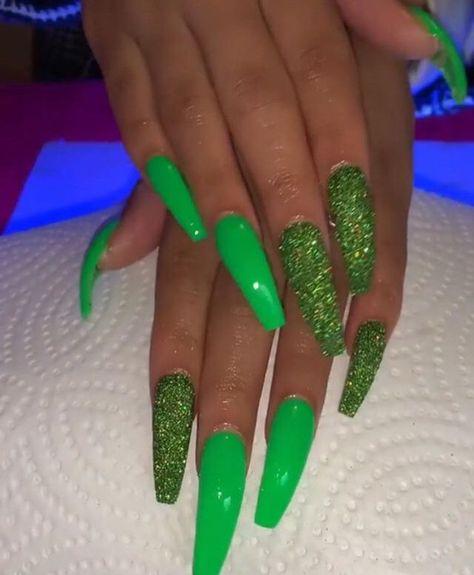 @tinyybadddiee😌 -  #Blacknails #ArtUnique
