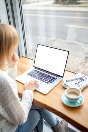 Работа дома для девушки заработать моделью онлайн в азов