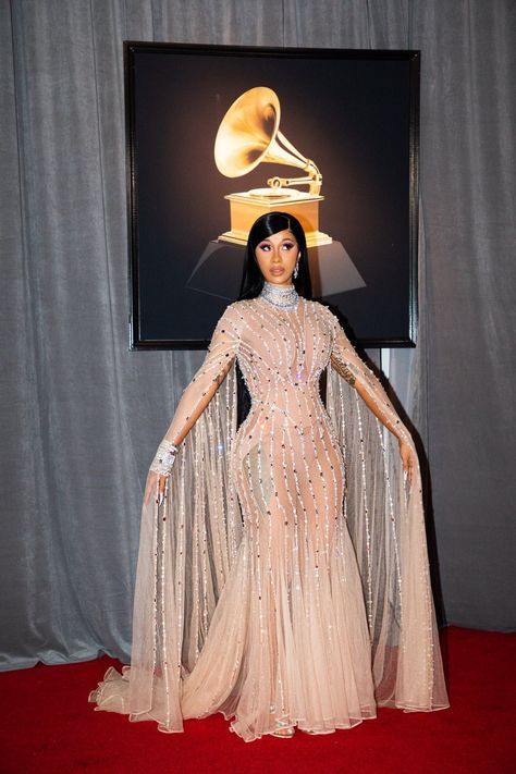 Grammys 2020 best looks red carpet / Cardi B Celebrity Style Dresses, Celebrity Style Casual, Celebrity Style Inspiration, Celebrity Red Carpet Dresses, Best Red Carpet Dresses, Kylie Jenner, Kendall Jenner Outfits, Emma Watson Red Carpet, Mode Rihanna