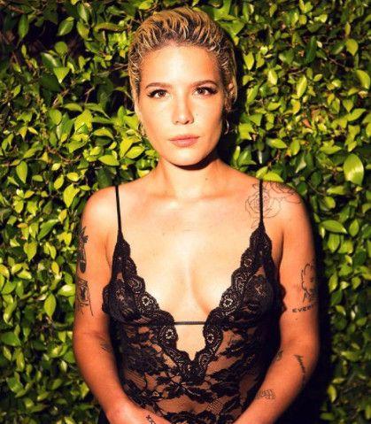 Halsey - The Celeb Queens Of Coachella 2018 - Photos