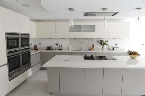 Calm Kitchen for a Busy Family Handleless kitchen, Cheshunt FC