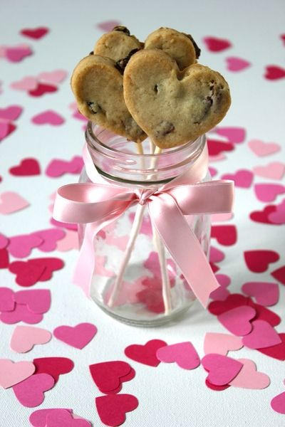 chocolate chip heart cookie pops
