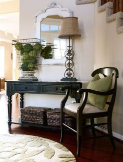Decorating The Entryway Seating Foyer Table Decor Entryway Table Decor Foyer Ideas Entryway
