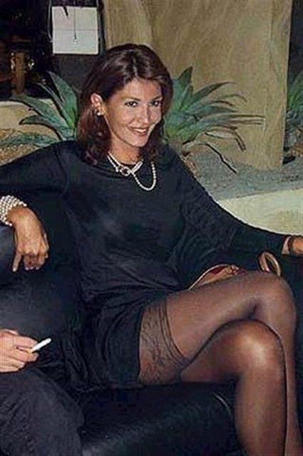 roberta-stunning-pantyhose-shemale-chick-masturbation-technique-coronal