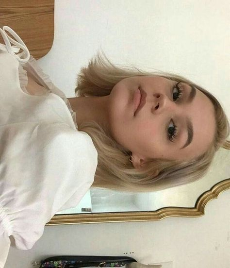 beauty makeup looks Hair Inspo, Hair Inspiration, Pretty People, Beautiful People, Swedish Blonde, Beauty Makeup, Hair Beauty, Corte Y Color, Fantasy Hair