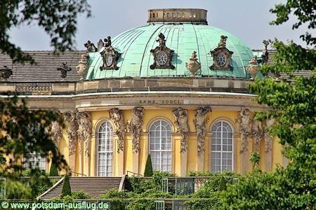 Nach Der Corona Krise Ist Schloss Sanssouci Fur Einzelne Besucher Unter Beachtung Der Hygiene Und Abstandsregelungen Wieder Geoffnet Sanssouci Ausflug Potsdam