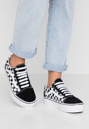OLD SKOOL Chaussures de skate black @ ZALANDO.FR </p>                     </div>   <!--bof Product URL --> <!--eof Product URL --> <!--bof Quantity Discounts table --> <!--eof Quantity Discounts table --> </div>                        </dd> <dt class=