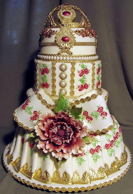 #Pink #gold #white #wedding #cake