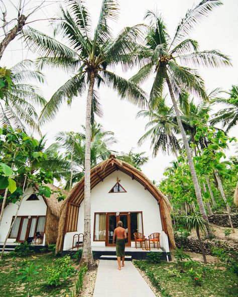 We love bungalows 😎🌴 Nusa Penida, Indonesia