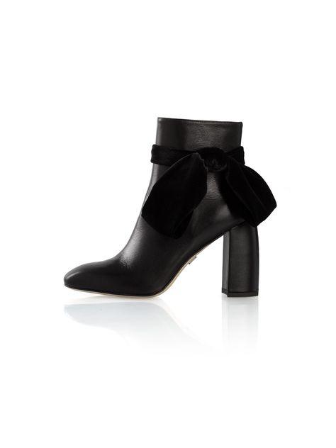 Flora Bootie In Black - Size 37