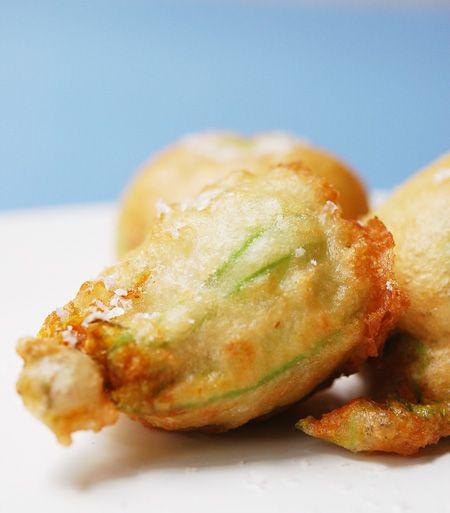 Crab Stuffed Zucchini Blossoms by allthingsnice: Wow! #Zucchini_Blossoms #allthingsnice