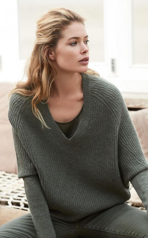 Doutzen Kroes for REPEAT cashmere | Rib knit batwing jumper  #doutzenkroes #w17 #winter2017 #autumn #newcollection #cashmere #wool  #repeatcashmere #knitwear #jumper #sweater #comfy #oversize