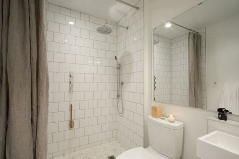 reader rehab: a budget bath remodel with little luxuries