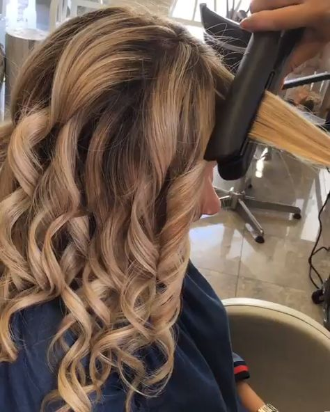 Remember it is #notjustastraightener 😍ritoccodimmagine_cdj via Instagram #hairgoals #hairinspo #balayagehair #blondehair