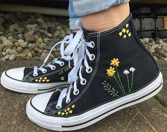 Stars and Flowers Embroidered Converse Hand embroidered converse wit. - Stars and Flowers Embroidered Converse Hand embroidered converse with a bundle of flowe - Mode Converse, Sneakers Mode, High Top Sneakers, Women's Converse, High Top Converse, High Heels, Converse Style, Black Converse, Sexy Heels