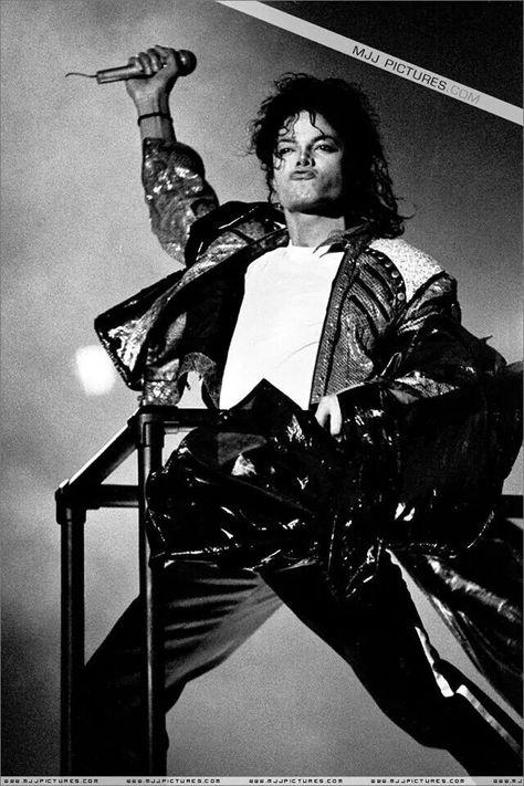 Michael Jackson Bad World Tour Beat It Live In Wembley Stadium In