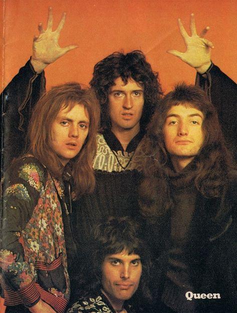 The Groovy Archives — Queen From the 1976 Look-In Supersonic book of. Queen Pictures, Queen Photos, Band Pictures, King Of Queens, Queen Freddie Mercury, Queen Band, John Deacon, Queen Songs, Michael Jackson