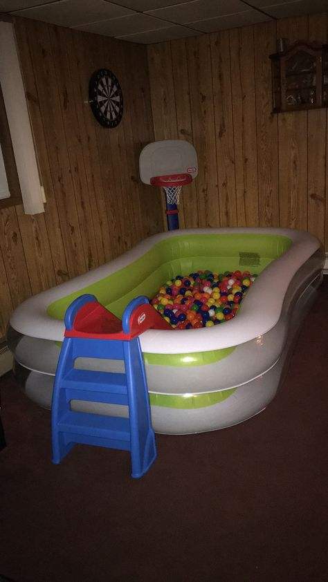 Ball pit I made for my goddaughter Toy Rooms ball goddaughter pit Infant Activities, Activities For Kids, Baby Toys, Kids Toys, Baby Playroom, Playroom Ideas, Baby Life Hacks, Home Daycare, Toy Rooms