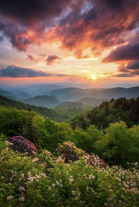 North Carolina Great Smoky Mountains Sunset Landscape Cherokee Nc By Dave Allen Mountain Sunset Landscapes Sunset Landscape Beautiful Landscapes
