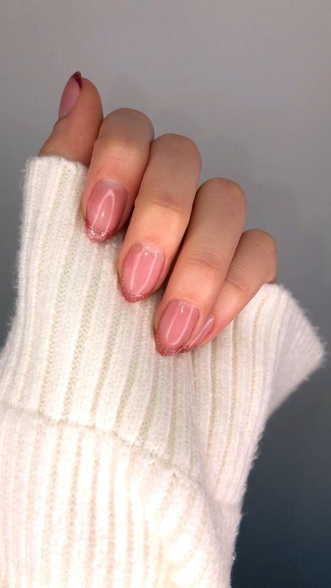 #nails #nailsofinstagram #nailart #naildesign #pinknail #glitter #glitternails #frenchnails #frenchgirlstyle #nailsaddict #aesthetic #nailaesthetic #nailporn #nailstyle #nailsonfleek