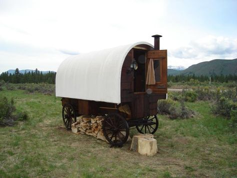 Sheep wagons are usually about 7 to 8 feet wide and about 12 to 16 feet long. Inside the wagon is usually room for one bed or bunks, a small stove, sink and cooking area, storage for clothes and an eating area. Most sheep wagons do not have bathrooms or showers.