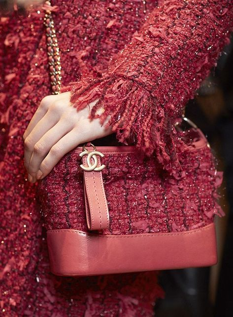A Chanel handbag is anticipated to get trendy. So how could you get a Chanel handbag?