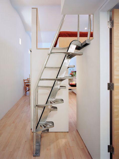 металлические двери для лестницы