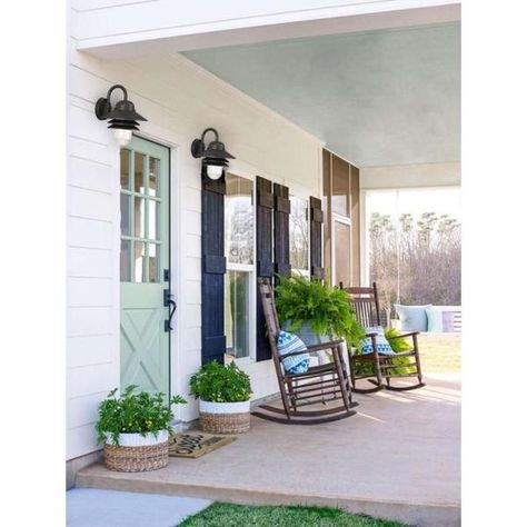 Southern Front Porches, Farmhouse Front Porches, Country Porches, Low Country, Blue Porch Ceiling, Front Porch Design, Porch Designs, Building A Porch, House With Porch