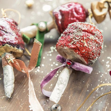 Addobbo natalizio di ispirazione vintage. Fungo rosso ...