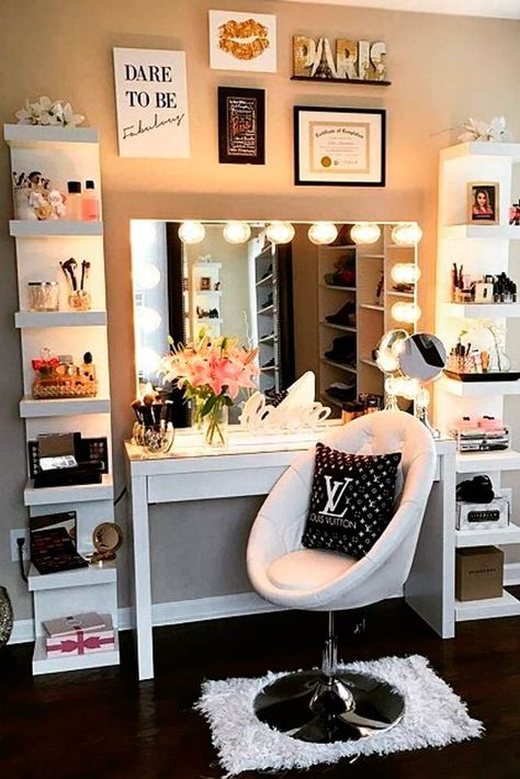 36 Most Popular Makeup Vanity Table Designs 2019 - Beauty Room & Office Inspiration - Makeup Table Vanity, Vanity Room, Vanity Ideas, Makeup Vanities, Vanity Mirrors, Mirror Ideas, Diy Mirror, Makeup Desk, Makeup Tables