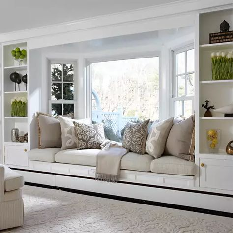 15 Exquisitely Beautiful Bay Window Ideas - Home Loof Bay Window Benches, Window Seat Cushions, Kitchen Window Seats, Bay Window Living Room, Bay Window Bedroom, Living Room With Bay Window, Bay Window Decor, Window Seat Storage, Dining Nook