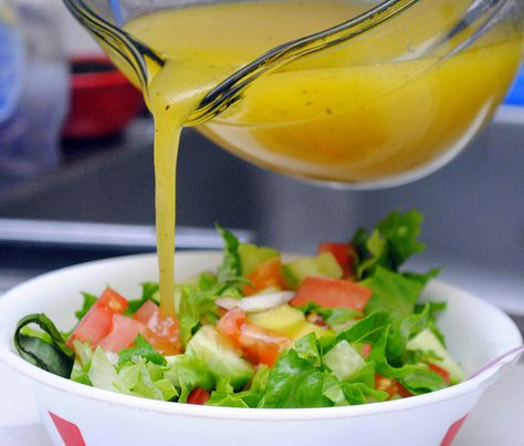 White House Salad from The Biggest Loser - Use dressing as necessary.  Tried this and it was delish.  Can't store for more than 10 days if you have leftover, but worth making again and again.