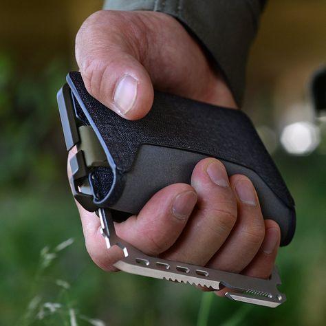 Survival camping tips Survival Gear, Survival Skills, Dango Wallet, Edc Wallet, Cool Gadgets To Buy, Cool Gear, Tactical Gear, Tactical Shotgun, Minimalist Wallet
