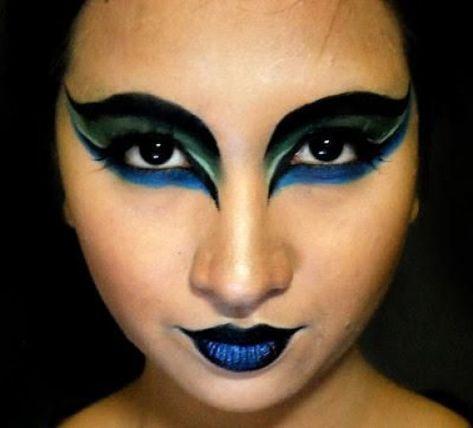 peacock eyes #creativemakeup #creative #makeup #mermaid