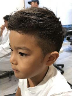 刈り上げワイルドヘアー キッズカット 少年のショートヘアカット