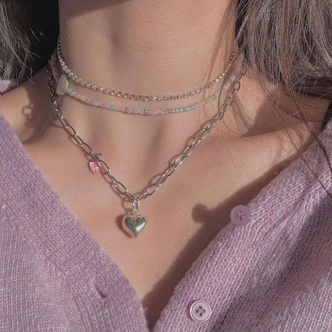 Image about aesthetic in lavender by vante ❤︎ Lavender Aesthetic, Purple Aesthetic, Aesthetic Girl, Desert Aesthetic, Aesthetic Rings, Cute Jewelry, Jewelry Accessories, Trendy Jewelry, Dainty Jewelry