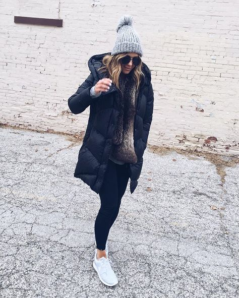 Black winter coat, tenis adidas, layering outfits, casual winter outfits, w