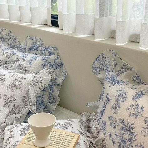 Room Ideas Bedroom, Bedroom Inspo, Bedroom Decor, Dream Rooms, Dream Bedroom, My New Room, My Room, Table Design, Room Goals