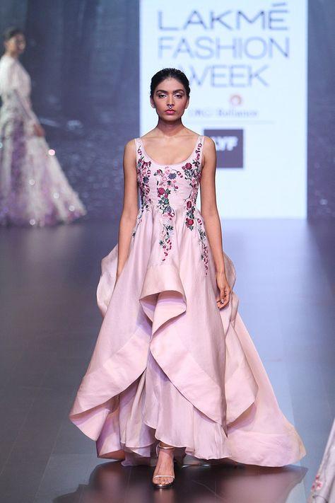 Shriya Som at Lakmé Fashion Week summer/resort 2016