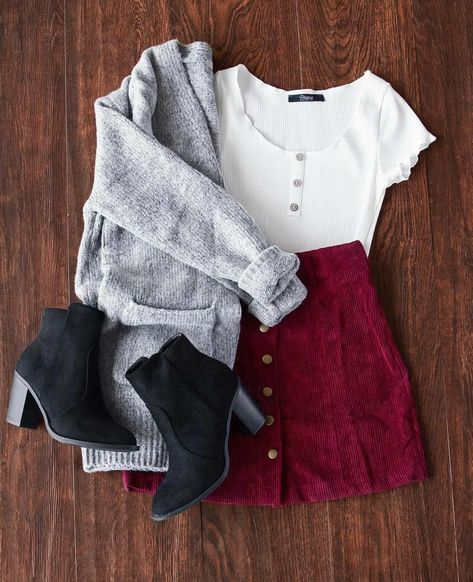 Who doesn't love a cute little corduroy skirt? Who doesn't love a cute little corduroy skirt? Teen Fashion Outfits, Mode Outfits, Look Fashion, Autumn Fashion, Fashion Art, Womens Fashion, Trendy Fashion, Ladies Fashion, School Outfits