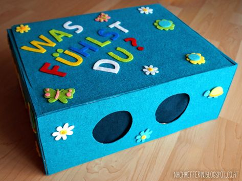 A fun game for the children's birthday party that captures the senses of little ...-#birthday #captures #children #children39s #diybag #diybox #diyfood #diyknutselen #diyroupascustomizao #diytable #Fun #game #little #party #senses #smalltatto #tattoforwomen- A fun game for the children's birthday, which sharpens the senses of the little guests. Whatever is hidden in the feeler box, the children must feel it! #Kinderparty #Partyspiel #Spielidee