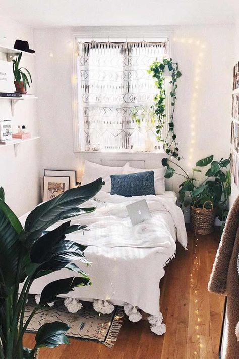 Boho Bedroom Design With String Lights #boho Amazing DIY decorations can be made, using bedroom string lights. And this party decor can be placed not only in bedroom but also in the  backyard. #stringlights #bedroomdecorations