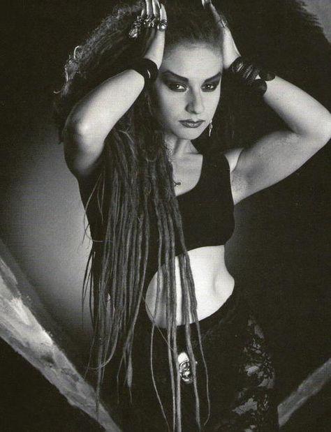 Olvido Gara Jova (Ciudad de México, México, 13 de junio de 1963), nombre artístico Alaska, cantante, compositora, actriz, y presentadora de tv.