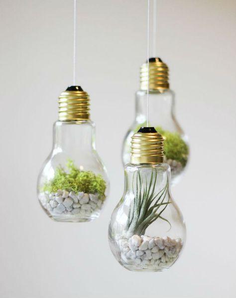 Ampoules transformées en bulles décoratives, à poser ou suspendre.