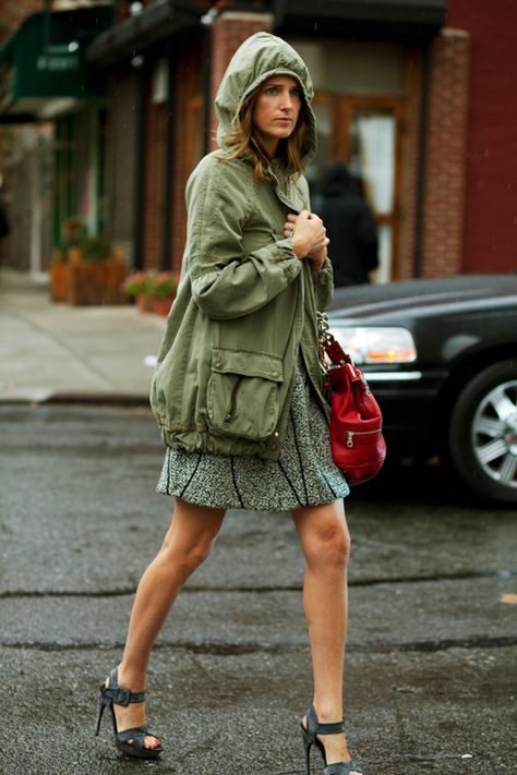 bet she wishes she had rainboots on... cute outfit nonetheless!