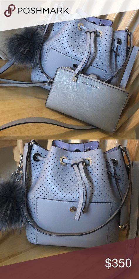 39797dcf1e55 😍BEAUTIFUL MK BUCKET BAG😍 Michael Kors dove gray bucket bag 😍 Gently  used. Perfect condition Additional grey puff 🌸 Silver hardware 🥈 TV 400  Michael ...