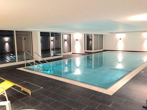 Direkt Im Haus Befindet Sich Ein Neu Renoviertes Schwimmbad