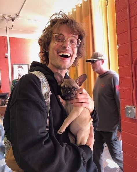 "Matthew Gray Gubler fanpage's Instagram photo: ""This is free Serotonin"" Criminal Minds Memes, Spencer Reid Criminal Minds, Dr Spencer Reid, Dr Reid, Beautiful Boys, Pretty Boys, Beautiful People, Matthew Gray Gubler, Matthew Grey"